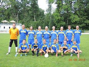 Tým jindřichohradecké Sešlosti se stal na žirovnickém stadionu  vítězem fotbalového turnaje hráčů nad 35 let.