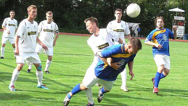 Fotbalisté J. Hradce porazili ve 29. kole KP Roudné 3:0.