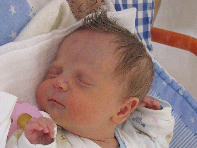 Jozef Kříž z Tepličky nad Váhom, okr. Žilina, se narodil  6. dubna 2013 Martině Křížové a Jozefu Štefanatnému. Vážil 2690 gramů a měřil 46 centimetrů.