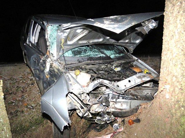 Nehoda na zledovatělé silnici z Kunžaku na Kaproun.