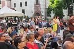 Festival Okolo Třeboně již tradičně zahájil prázdniny, v sobotu 4. července se na zámeckém nádvoří představila zpěvačka Jana Rychterová, kapela Epydemye a Xindl X.