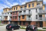 První nájemníci si převzali byty v seniorském domě na sídlišti 9. května v Suchdole nad Lužnicí.