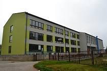 Základní škola na hradeckém sídlišti Hvězdárna.