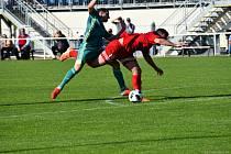 Třeboňští fotbalisté (v červeném) v druhém kole Turnaje přátelství porazili Jankov 3:2. Foto: Michaela Mikešová