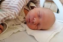 Sebastian Belušiak z Otína se narodil 25. července mamince Veronice Belušiakové a tatínkovi Antonínu Molzerovi. Vážil 2950 gramů a měřil 48 centimetrů.