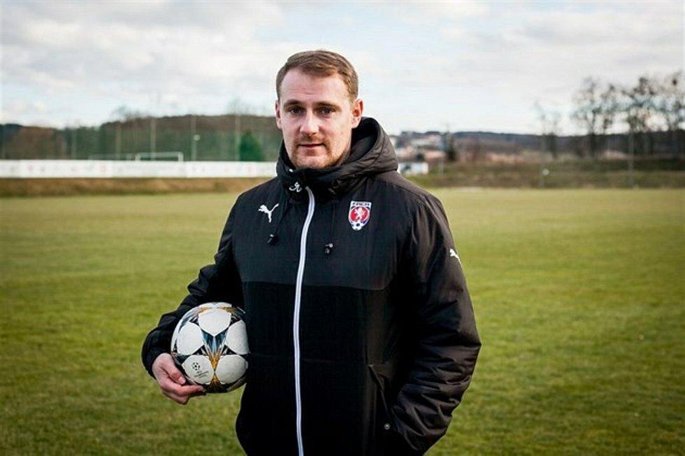 Mladý fotbalový trenér Michal Krtek z Dačic působí u mládeže v kanadské Ottawě.