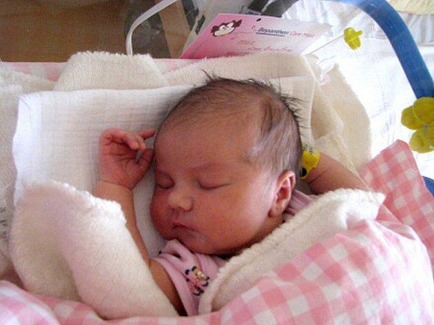 Jana Kvapilová  se narodila 24. července v 9 hodin a 56  minut Marii Holzknechtové a Janu Kvapilovi z Dačic. Vážila  3370 gramů a měřila 52 centimetrů.