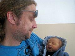 Davídek Říčař  se narodil 6. května v19 hodin a 35 minut  Ludmile a Vilémovi Říčařovým z Rodvínova. Vážil 2950 gramů a měřil 50 centimetrů.