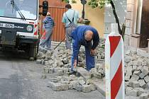 Oprava Mlýnské ulice v Jindřichově Hradci.