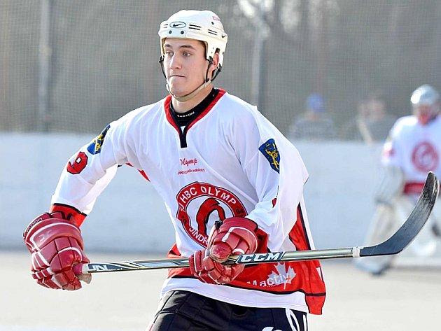 Útočník hokejbalového Olympu Tomáš Schmidt.