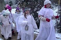 K Vánocům v Plavsku patří zvonkový průvod.