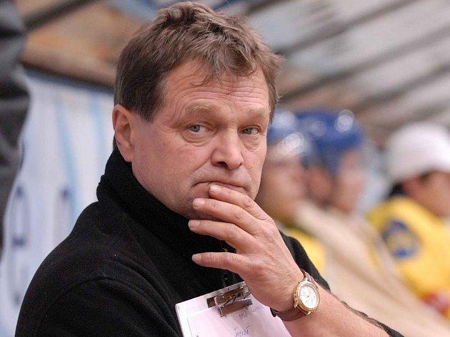 František Joun by měl setrvat v pozice hlavního kouče  jindřichohradeckých druholigových hokejistů, kteří v uplynulé sezoně bojovali až do posledních chvil o záchranu v soutěži.