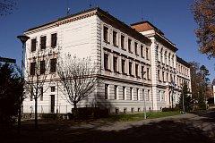 Třeboňské gymnázium.