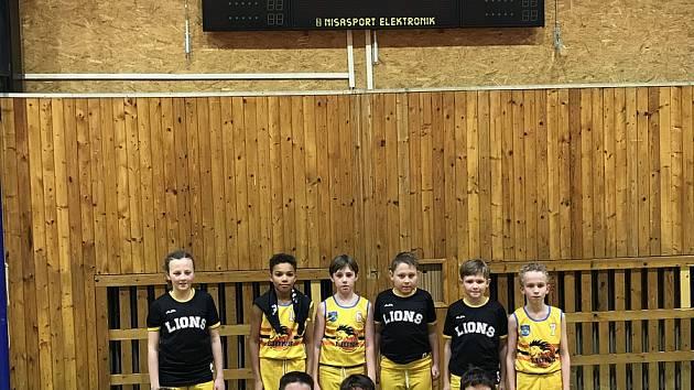 Nejmladší mini žactvo BK Lions Jindřichův Hradec vyhrálo druhou fázi oblastního přeboru.