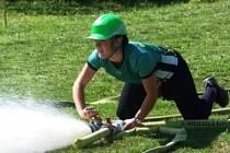 Momentka ze soutěže hasičů v Horní Lhotě.