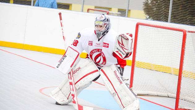 Brankář hokejbalistů Olympu Filip Janák.