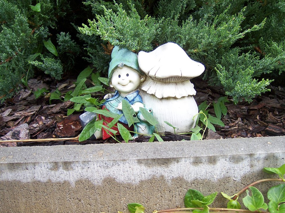 Trpaslíci zdobí zahradu rodiny Písaříkových z Mladé Vožice už dva roky.