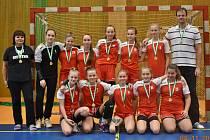 Družstvo starších žákyň Jiskry Třeboň vyhrálo kvalitně obsazený turnaj v Praze.