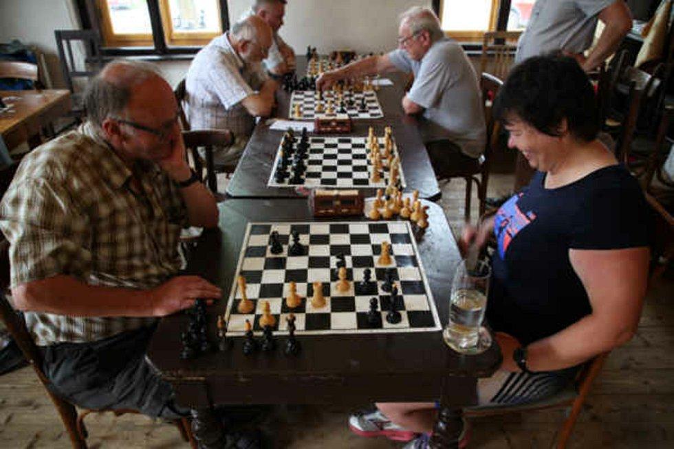Šachový turnaj v Horním Skrýchově získává na stále větší oblibě. Letos je na programu už čtvrtý ročník. Foto: Pavel Macků