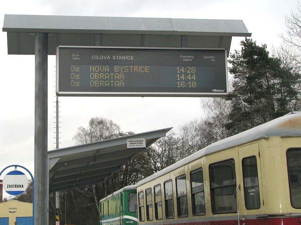 Jindřichohradecké místní dráhy provozují i parní vlaky.