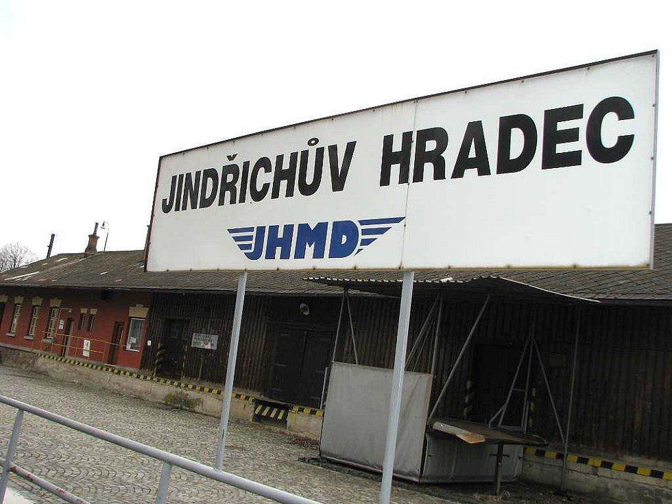 Jindřichohradecké místní dráhy provozují železniční dopravu na úzkokolejce.