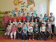 Žáci prvního ročníku ze základní školy ve Slavonicích.