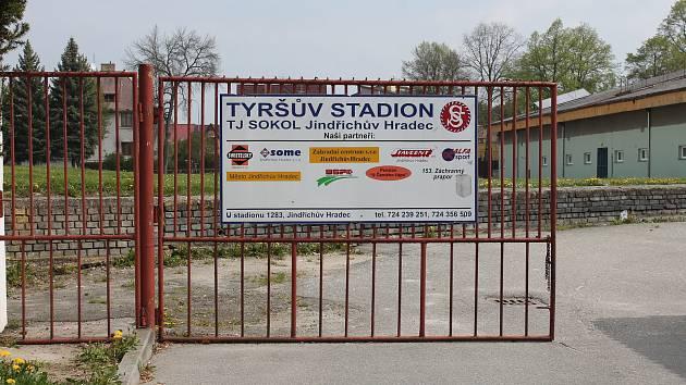Sportovní areál Tyršova stadionu a jeho okolí v Jindřichově Hradci.