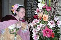 Členové Campanella , mezi kterými je i Eva Štěrbová (na snímku), vystupují také při příležitosti květinových výstav Amarylis na zámku Třeboň.