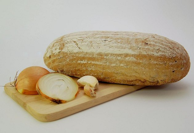 Cibulo–česnekový chléb z firmy Marek Baštýř–pekařství MPM z Lomnice nad Lužnicí si získává stále víc příznivců.