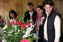 V kulturním domě Střelnice v J. Hradci proběhlo tradiční Květinové odpoledne společně s ochutnávkou oceněných potravin z regionu.