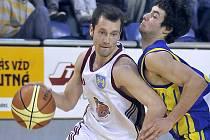 Rozehrávač Jiří Holanda byl největší hvězdou utkání, v němž si basketbalisté J. Hradce zajistili postup do nejvyšší Mattoni NBL.