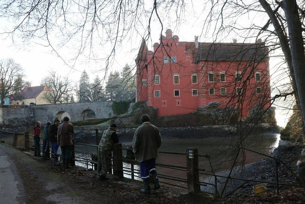 Výlov Zámeckého rybníku v roce 2018.