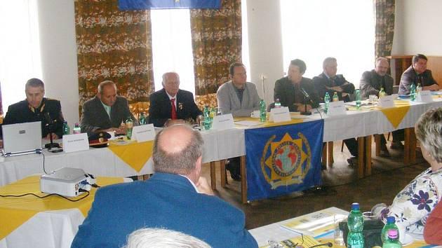 Setkání policistů u příležitosti 10. výročí založení pobočky mezinárodní policejní asociace IPA ve Slavonicích.