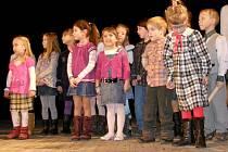 Vystoupení dětí na setkání seniorů v Kardašově Řečici.