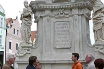 Slavnostní odhalení zrestaurovaného Mariánského sloupu v Třeboni.