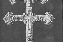 Závišův kříž, který je od roku 2010 národní kulturní památkou.