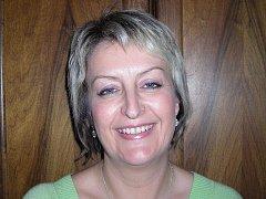 Zubařka Ivana Drachovská pracuje ve své ordinaci v Třeboni už několik let.
