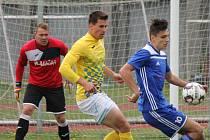 Jindřichohradečtí fotbalisté inkasovali v Dobříši pět gólů.