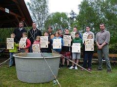 Mladí rybáři v Suchdole