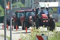 V rámci protestní akce zemědělců vyjela jedna kolona traktorů i z Jindřichova Hradce.