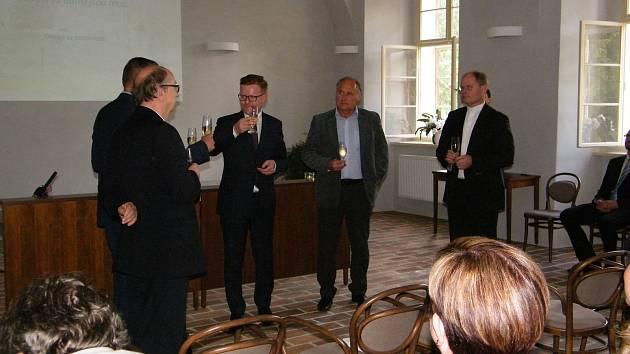Po deseti letech oprav ve středu 19. června slavnostně otevřeli prostory archivu v bývalém augustiniánském klášteře v Třeboni.