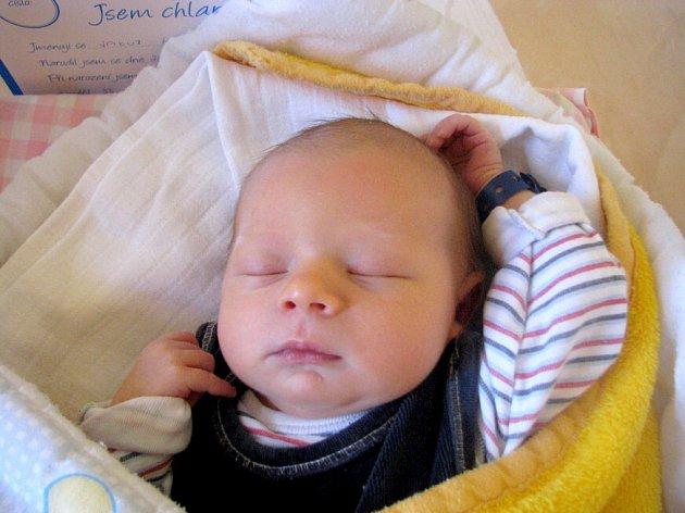 Jakub Hunal se narodil 28. května Veronice Němečkové a Václavu Hunalovi z Pluhova Žďáru. Vážil 3800 gramů.