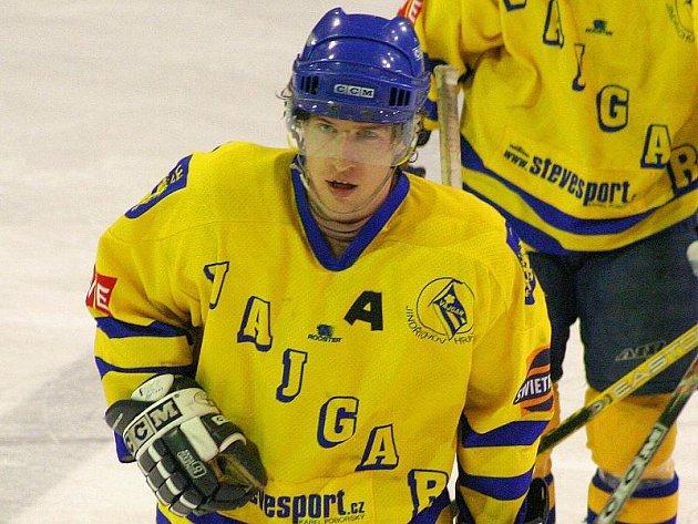 MUŽ ZÁPASU. Jindřichohradecký útočník Michal Ištvánik byl hlavním strůjcem vítězství druholigových hokejistů Vajgaru nad Kolínem.