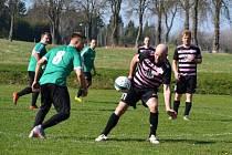 V 15. kole fotbalového okresního přeboru mužů podlehli hráči Popelína na domácím hřišti společnému týmu Nové Bystřice a Číměře 3:4, přestože hosté hráli od 48. minuty bez vyloučeného Strejčka.