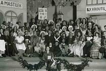 Roku 1934, tedy sto let po svém prvním uvedení, měla premiéru známá hra Fidlovačka aneb žádný hněv a žádná rvačka v režii dr. Třísky. Hra Josefa Kajetána Tyla je známá především tím, že se v ní objevila píseň Kde domov můj autora Františka Škroupa.