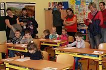 V 1. základní škole uspořádali pro předškoláky zápis nanečisto.