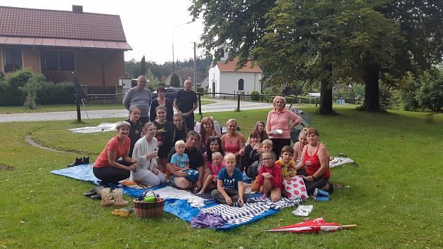 Piknik v Hradišti u Nové Bystřice.