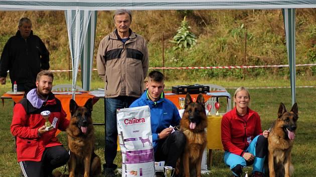 V neděli Základní kynologická organizace v Jindřichově Hradci pořádala Krajskou speciální výstavu německých ovčáků.