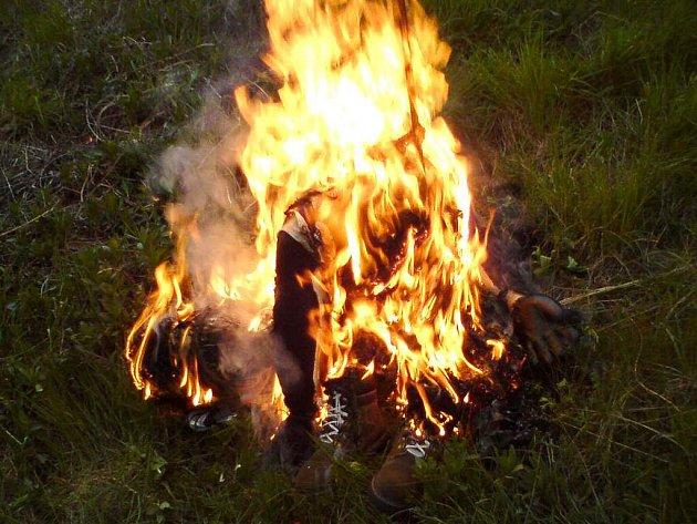 Čarodějnice také pálili jindřichohradečtí pejskaři.
