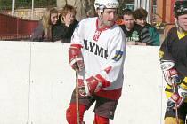 Na účast v play off I. ligy i zítřejší pohárový souboj s extraligovou Karvinou se může těšit i obránce hokejbalového Olympu Petr Kiss.